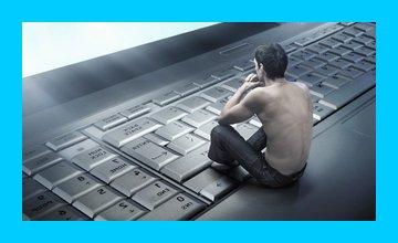 клавиатурные кнопки и задумчивый человек